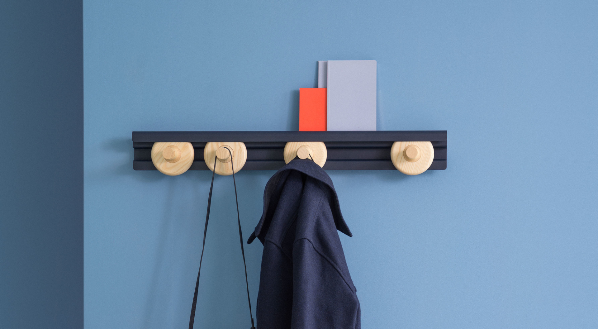 van Esch coat rack Wheels