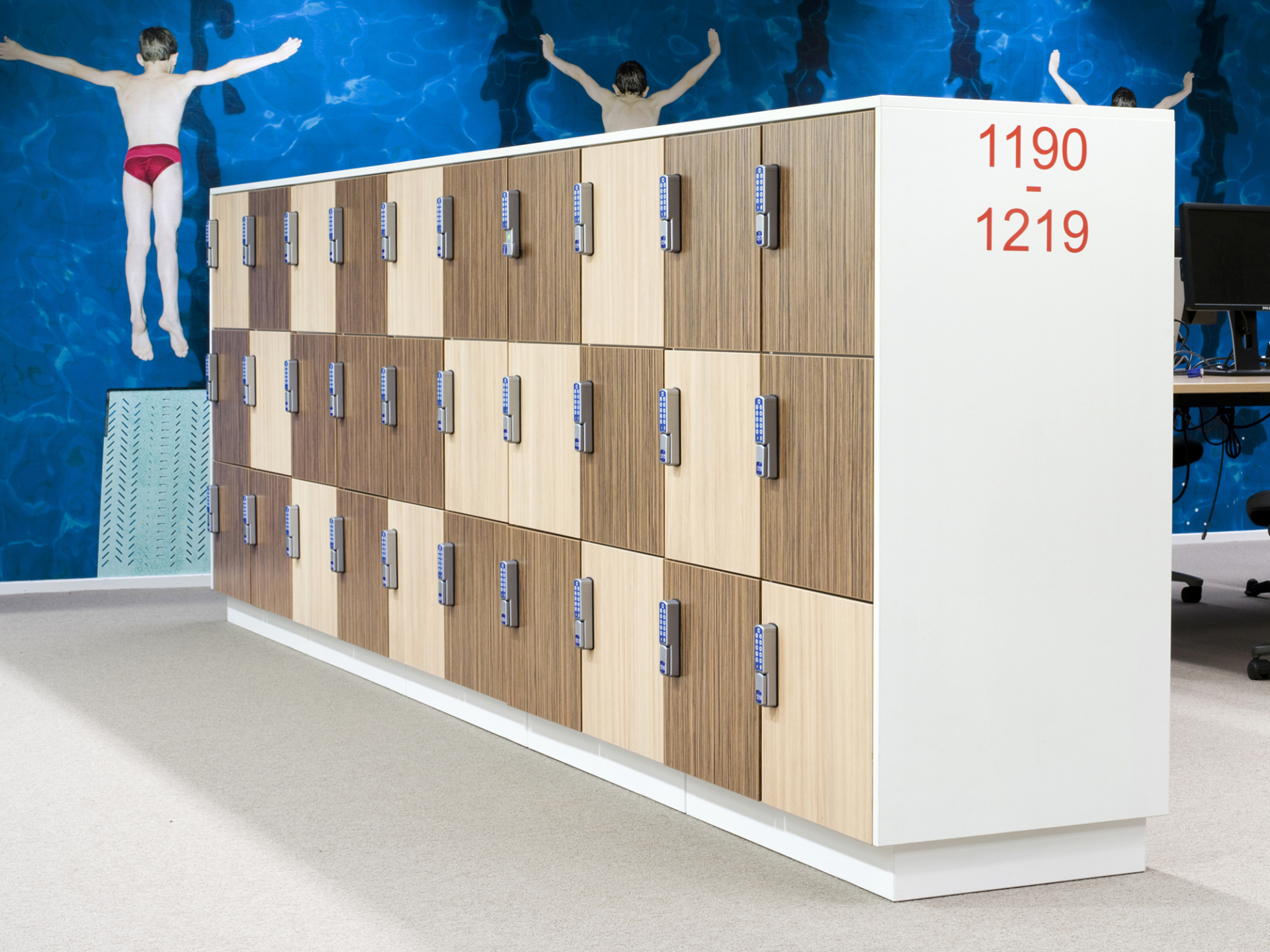 van Esch wooden locker Aquarius HVL