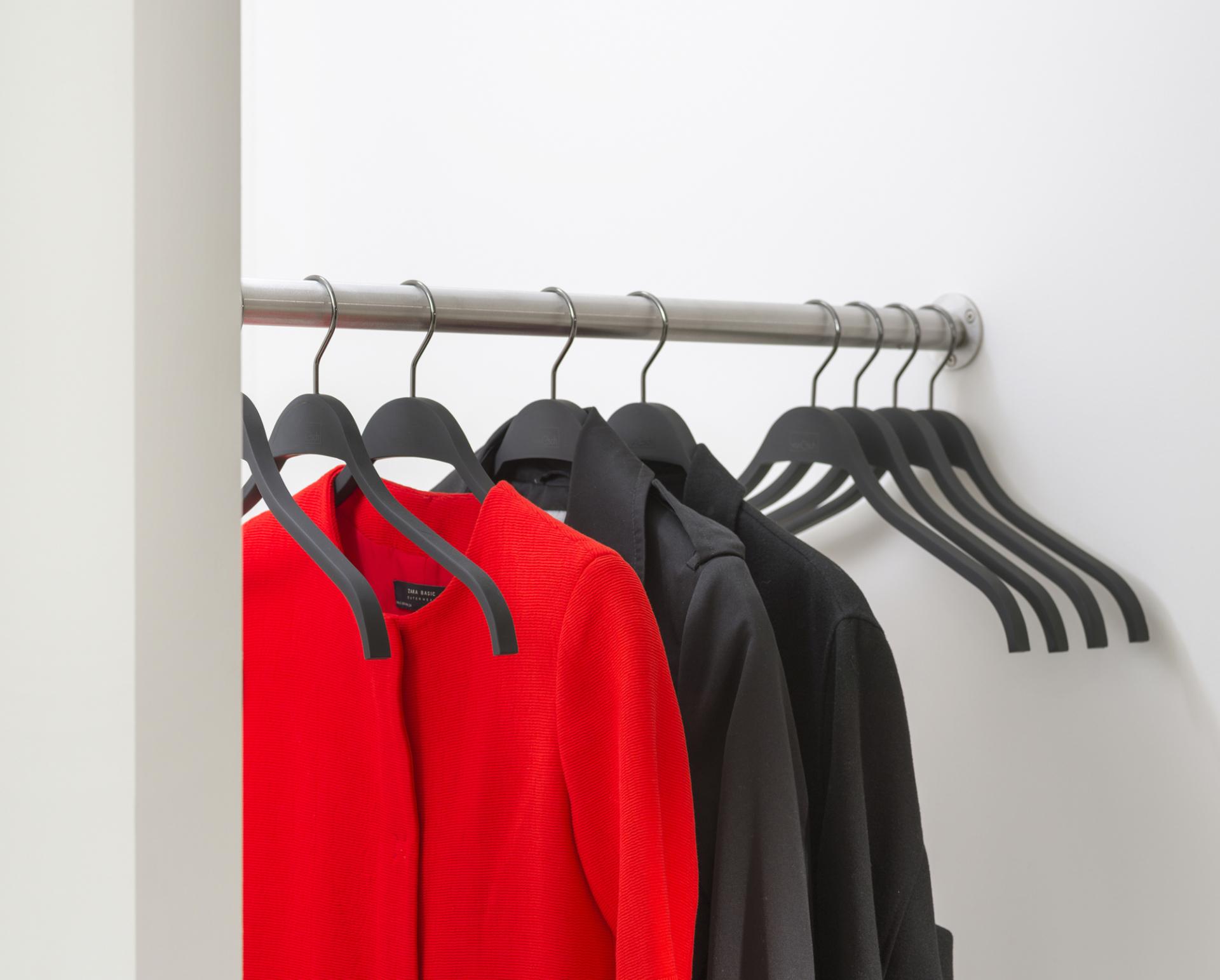 van Esch coat hanger Grip