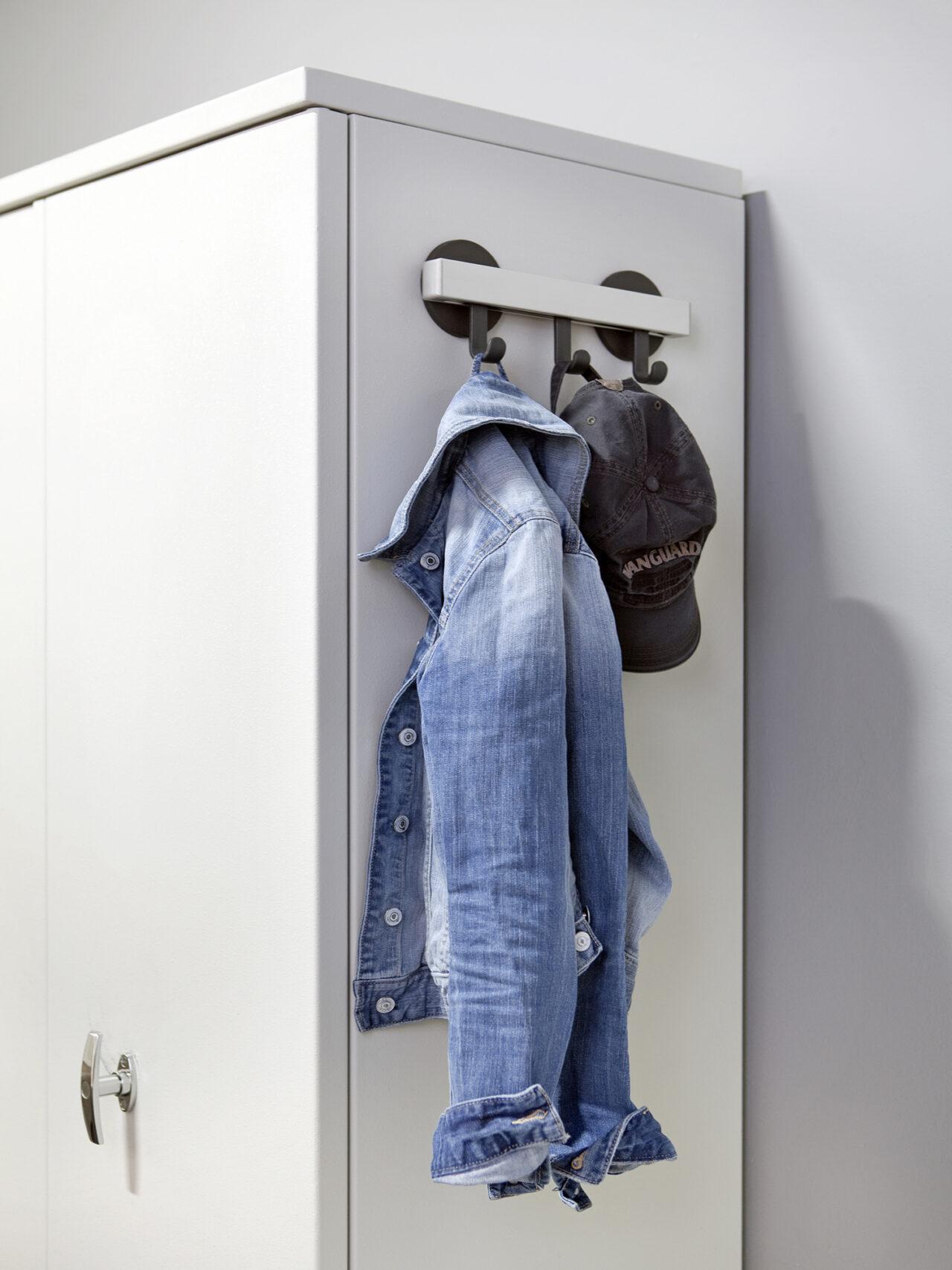 van Esch coat rack Ilium H30 Magnéfique