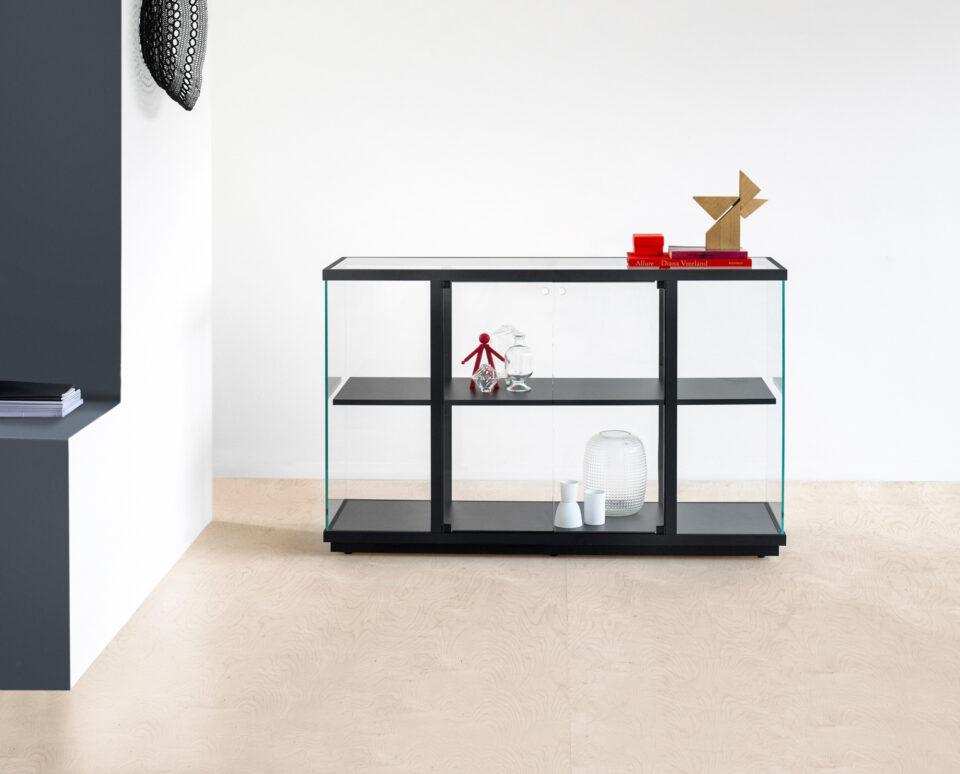 van Esch display cabinet Stolp low