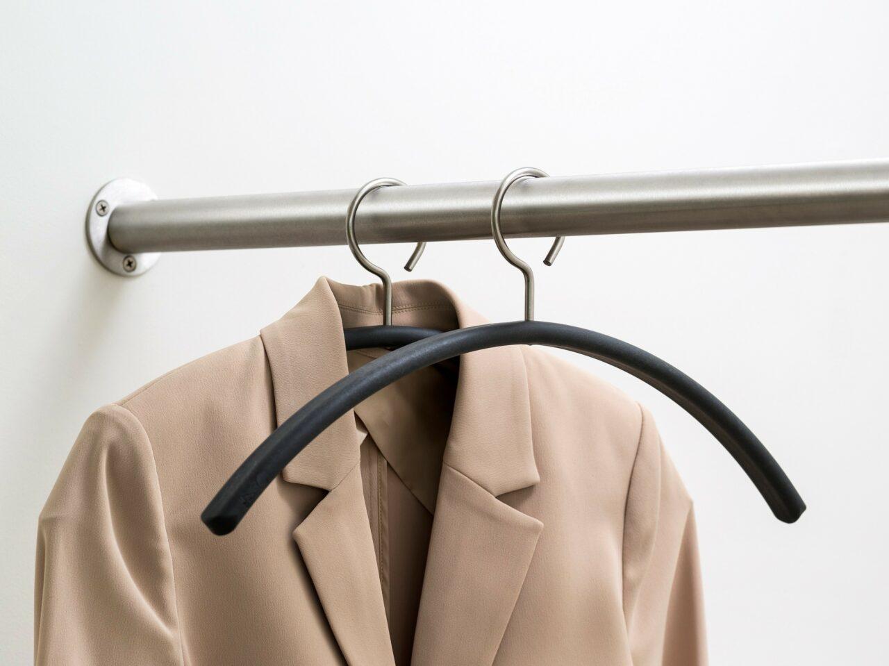 van Esch coat hanger Tubulus 200